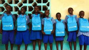 Imagem 1 - Crianças atendidas por um programa educacional do UNICEF